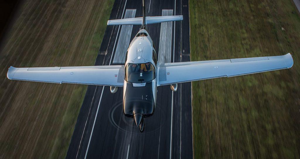piston aircraft taking off